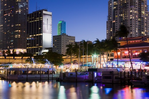 Stock Photo: 1486-15459 Miami skyline at night, Florida, USA