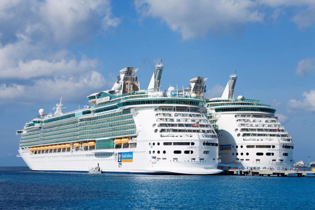 Stock Photo: 1486-16112 Cruise ships in Puerta Maya, Cozumel, Quintana Roo, Yucatan Peninsula, Mexico