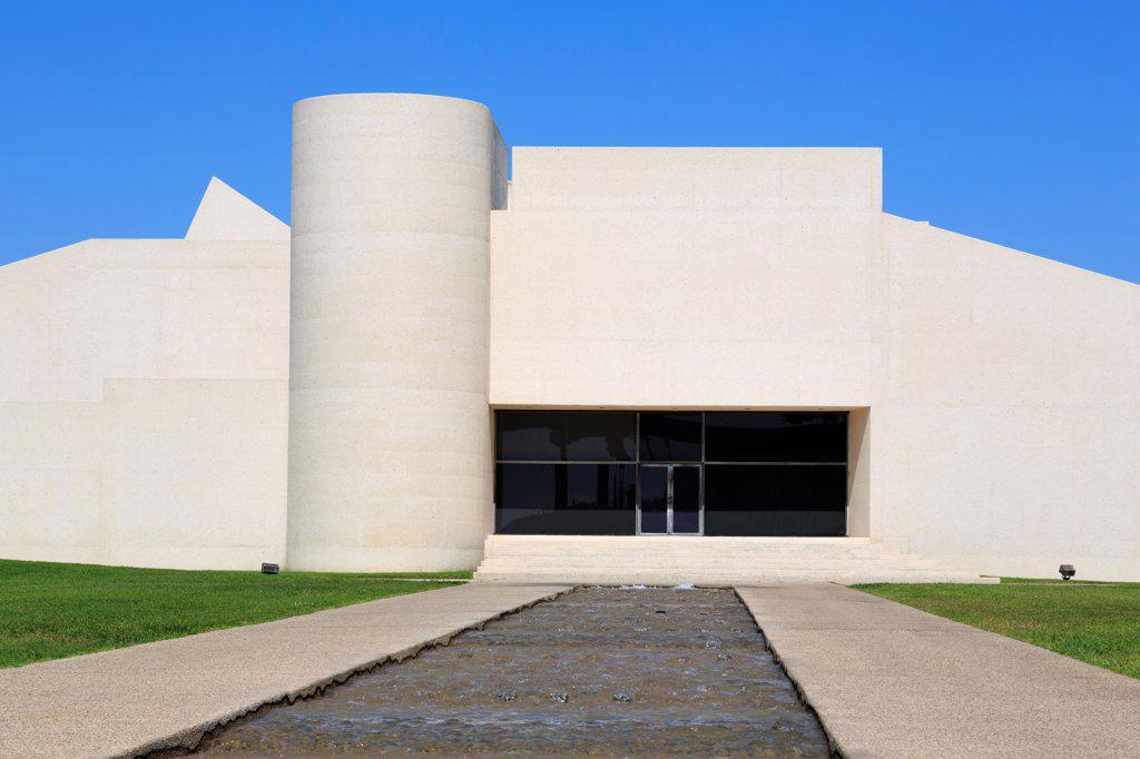 Fountain at a museum, Art Museum of South Texas, Corpus Christi, Texas, USA : Stock Photo