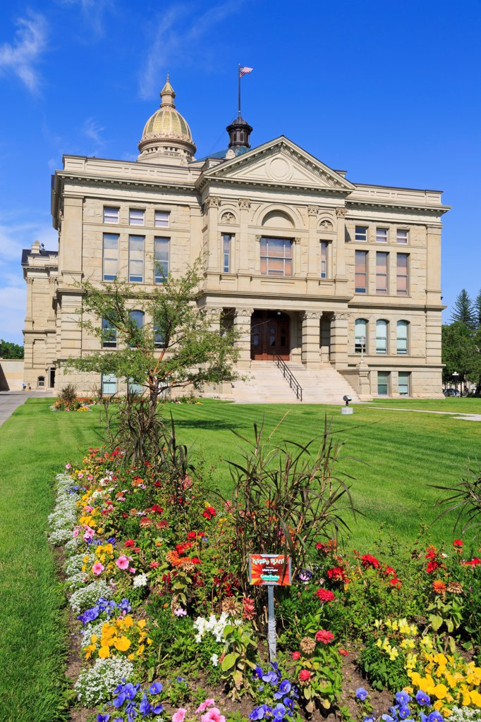 Stock Photo: 1486-16239 USA, Wyoming, Cheyenne, State Capitol