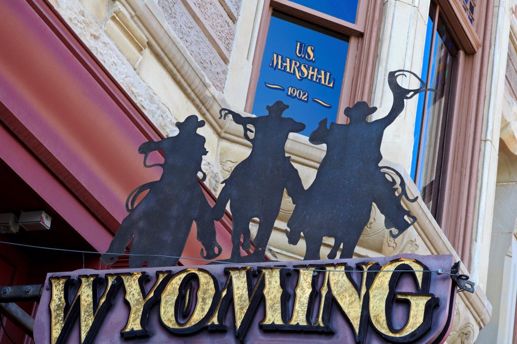 Stock Photo: 1486-16245 USA, Wyoming, Cheyenne, Store sign on Lincolnway