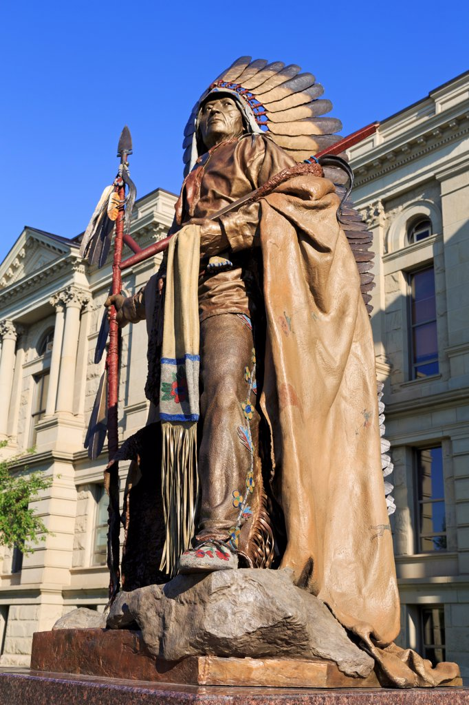 USA, Wyoming, Cheyenne, Chief Washakie statue at State Capitol : Stock Photo