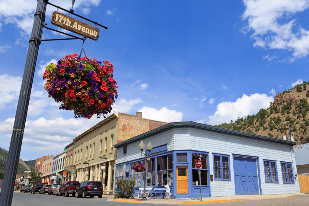 Stock Photo: 1486-16353 USA, Colorado, Idaho Springs, Miner Street