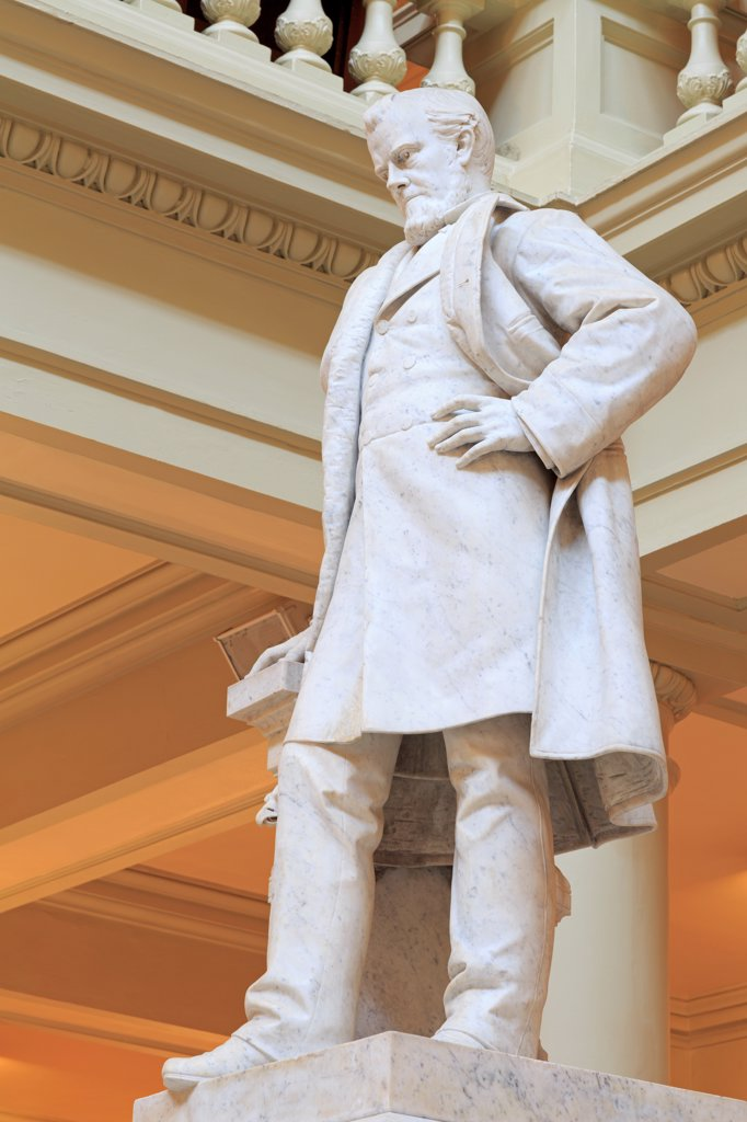 Stock Photo: 1486-16531 USA, Georgia, Atlanta, Ogelthorpe statue in Georgia State Capitol