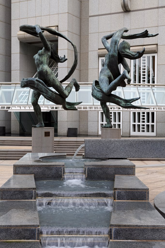 Stock Photo: 1486-16540 USA, Georgia, Atlanta, Ballet Olympia by Paul Manship, Suntrust Building