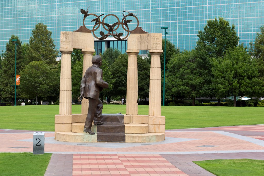 Stock Photo: 1486-16543 USA, Georgia, Atlanta, Baron Pierre De Coubertin Monument, founder of modern Olympics, Centennial Olympic Park