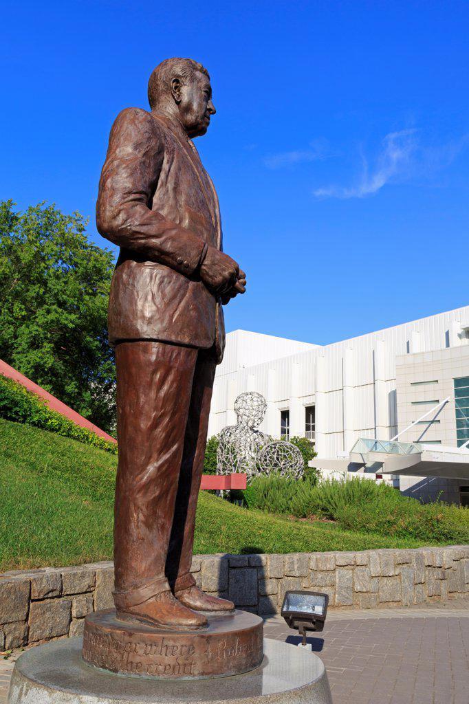USA, Georgia, Atlanta, Woodruff Arts Center, Robert Woodruff statue : Stock Photo