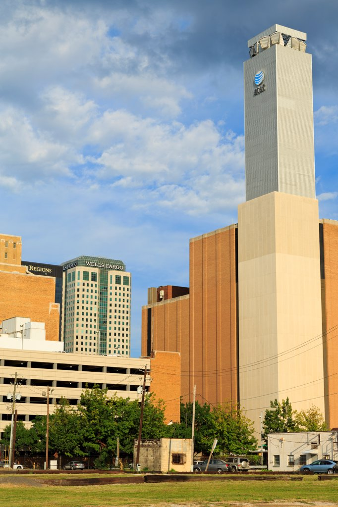 Stock Photo: 1486-16698 USA, Alabama, Birmingham, Downtown Birmingham skyline