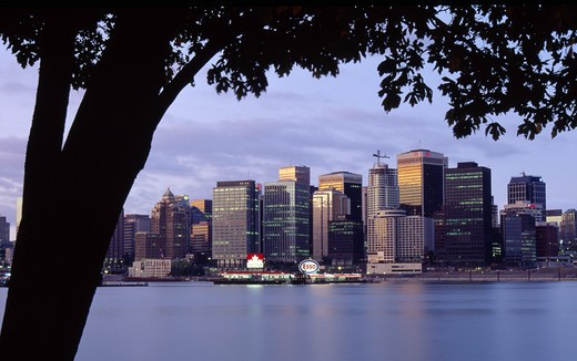 Stock Photo: 1486-1888 Canada, British Columbia, Vancouver, skyline