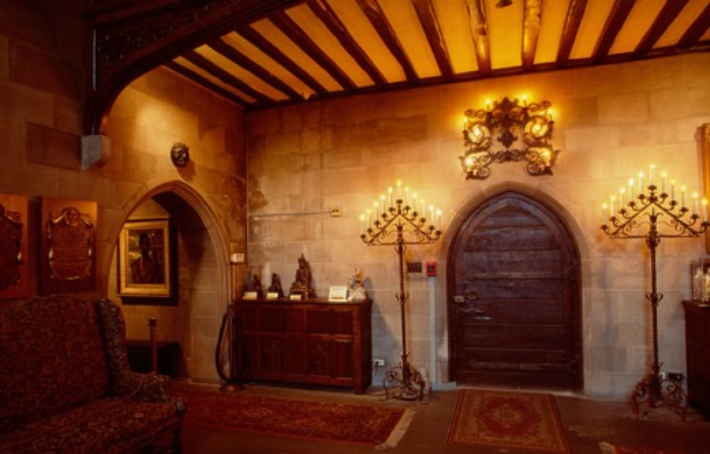 Stock Photo: 1486-2056 Interior of a mansion, Salisbury House, Des Moines, Iowa, USA