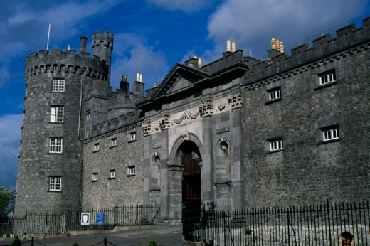 Stock Photo: 1486-2954 Low angle view of a castle, Kilkenny Castle, Kilkenny, Ireland