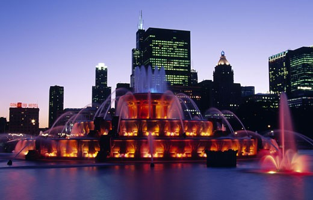 USA, Illinois, Chicago, Grand Park, Buckingham Fountain illuminated during dusk : Stock Photo