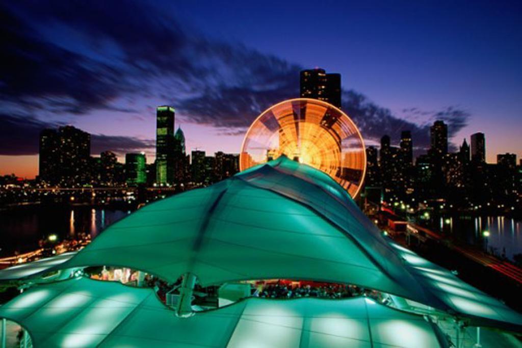 Stock Photo: 1486-3568B Navy Pier Chicago Illinois USA