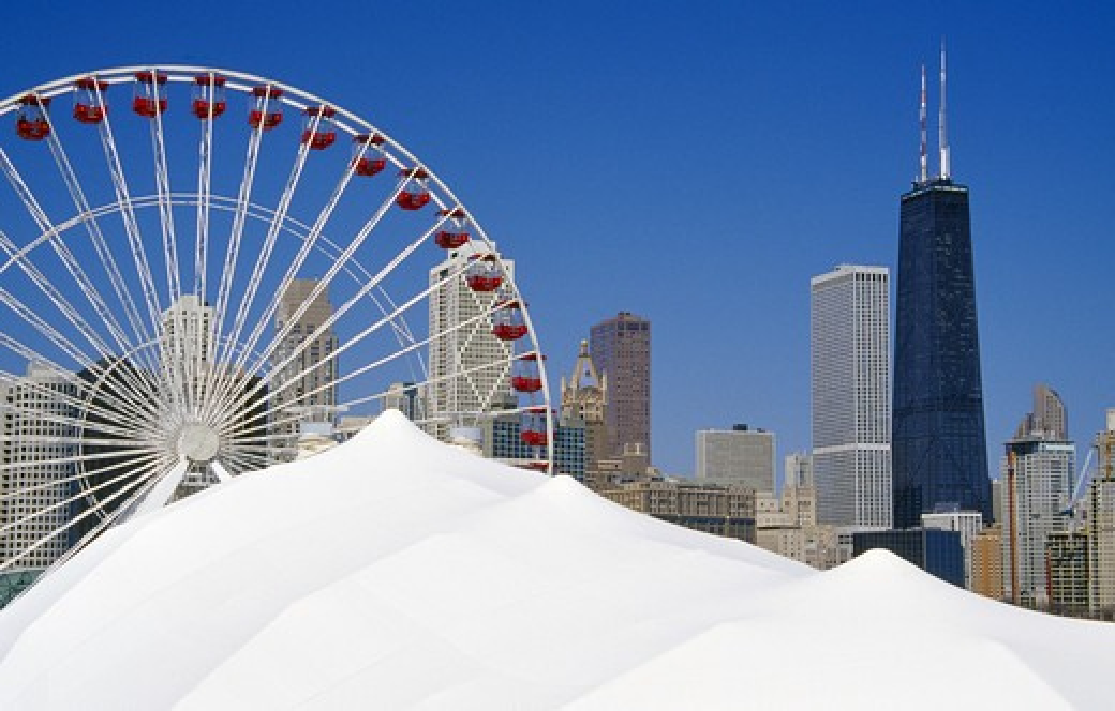 USA, Illinois, Chicago, Navy Pier, ferris wheel and skyline : Stock Photo