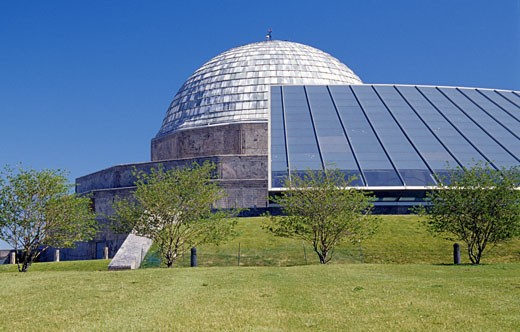 Stock Photo: 1486-3598 USA, Illinois, Chicago, Adler Planetarium and park