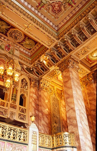 Stock Photo: 1486-3605 USA, Illinois, Chicago, Oriental Theater interior
