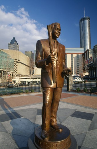 Stock Photo: 1486-3816 USA, Georgia, Atlanta, Centennial Olympic Park, Billy Payne Statue
