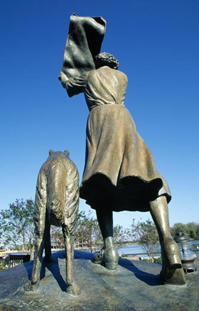 Stock Photo: 1486-3869 USA, Georgia, Savannah, Waving Girl Statue, Florence Martus Statue, rear view