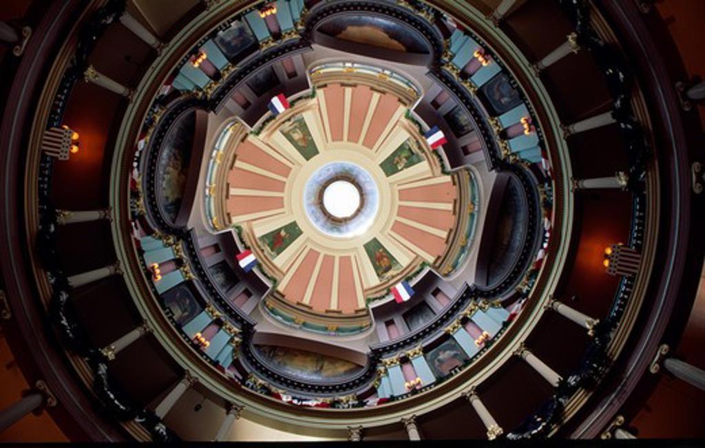 Stock Photo: 1486-4347 USA, Missouri, Saint Louis, Old Courthouse interior, dome