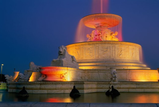 Stock Photo: 1486-450 Lights at the Scott Memorial Fountain, Belle Isle Park, Detroit, Michigan, USA