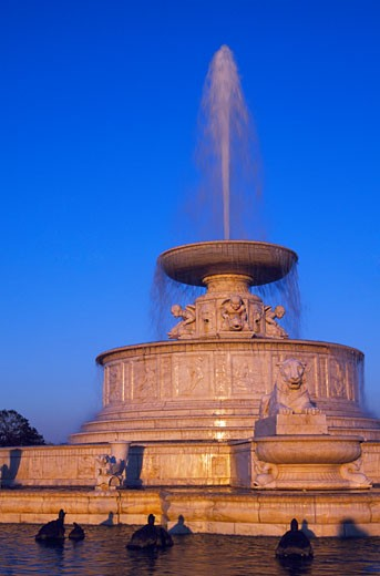 Stock Photo: 1486-451 Memorial fountain in a park, Scott Memorial Fountain, Belle Isle Park, Detroit, Michigan, USA