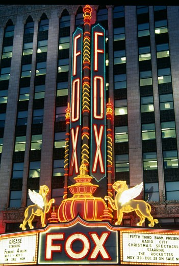 Neon sign of a stage theater lit up at night, Fox Theater, Detroit, Michigan, USA : Stock Photo