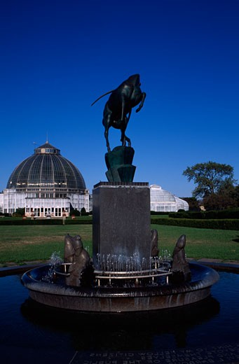 Fountain in front of a conservatory, Barbour Memorial Fountain, Whitcomb Conservatory, Belle Isle Park, Detroit, Michigan, USA : Stock Photo