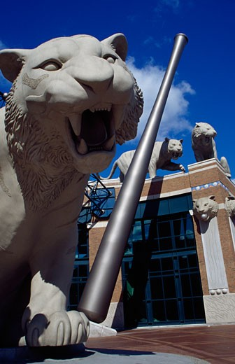 Stock Photo: 1486-548 Tiger's statue in front of a baseball stadium, Comerica Park, Detroit, Michigan, USA