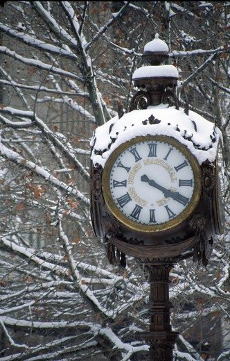 Stock Photo: 1486-5544 USA, Utah, Salt Lake City, Outdoor clock covered with snow