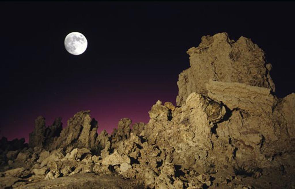 Stock Photo: 1486-5885 USA, California, Mono Lake Tufa State Reserve, rock formations at night