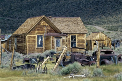 Stock Photo: 1486-5960 An abandoned log cabin, Bodie State Historic Park, California, USA