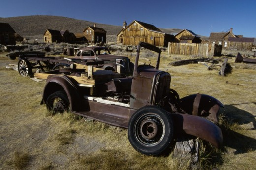 Stock Photo: 1486-5968 Old abandoned vehicles at Bodie State Historic Park, California, USA