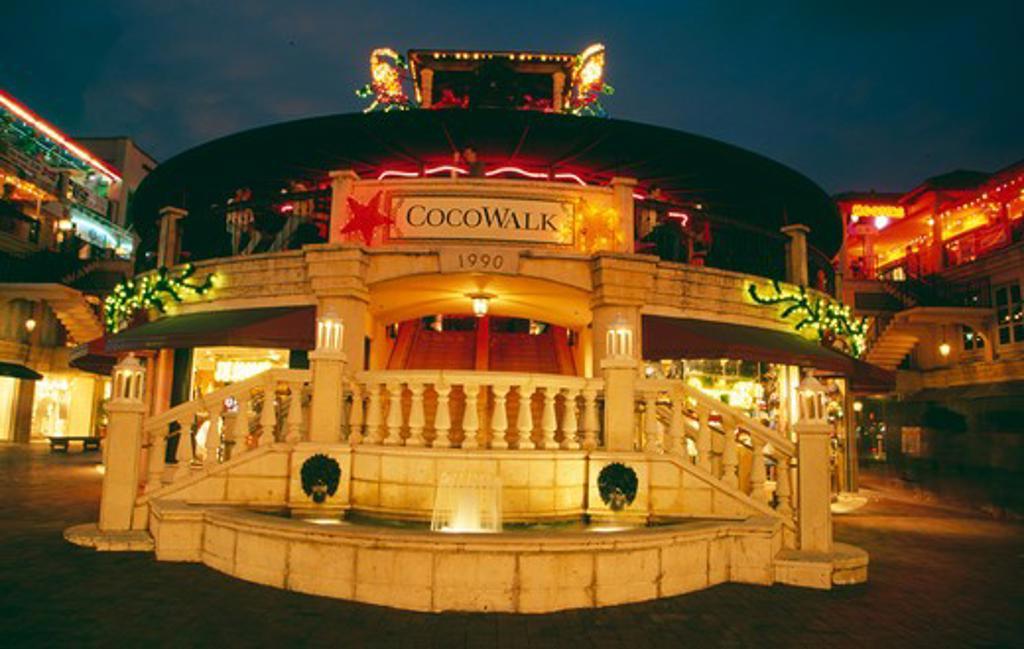 Stock Photo: 1486-6863 USA, Florida, Miami, Coconut Grove, CocoWalk Mall