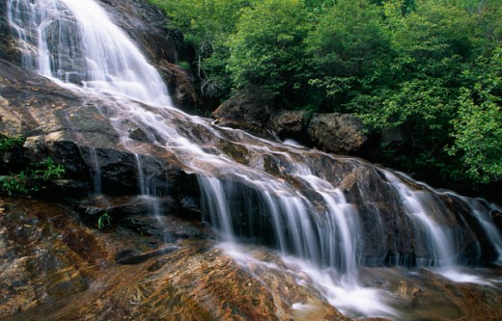 Stock Photo: 1486-7220 Graveyard Fields Falls Blue Ridge Parkway North Carolina USA