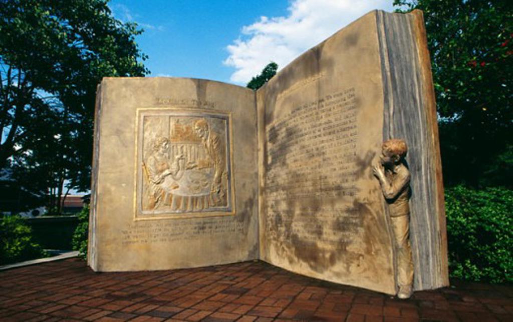 Stock Photo: 1486-7245 Open Book Sculpture Greensboro North Carolina, USA