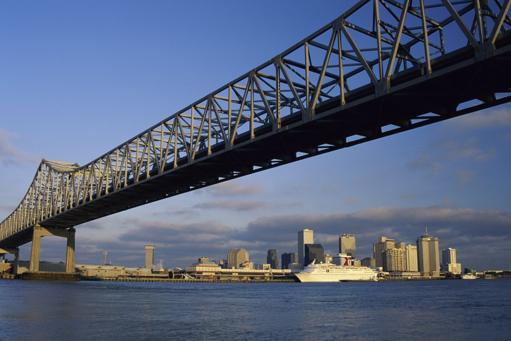 Low angle view of a bridge across a river, Mississippi River Bridge, New Orleans, Louisiana, USA : Stock Photo