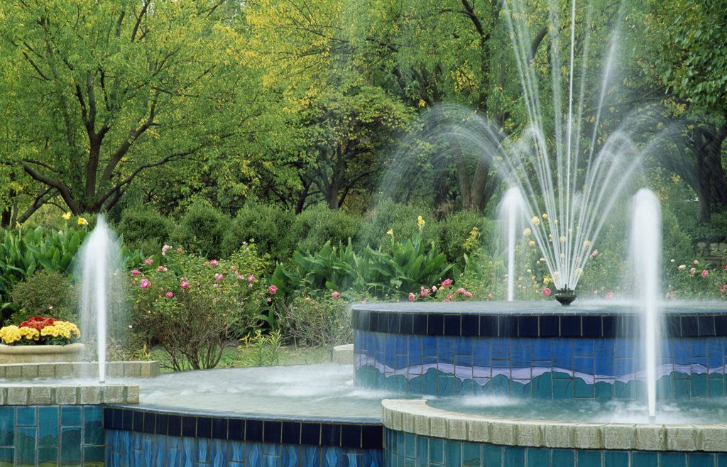 Stock Photo: 1486-8703 Botanica Garden Wichita Kansas, USA