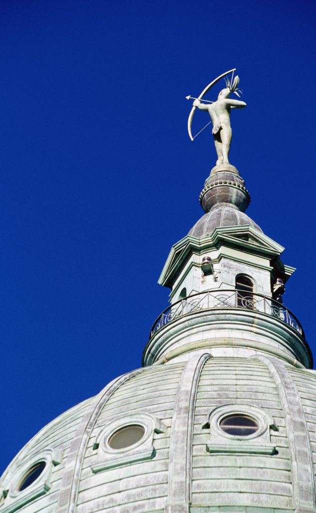 Stock Photo: 1486-8715 State Capitol Topeka Kansas, USA