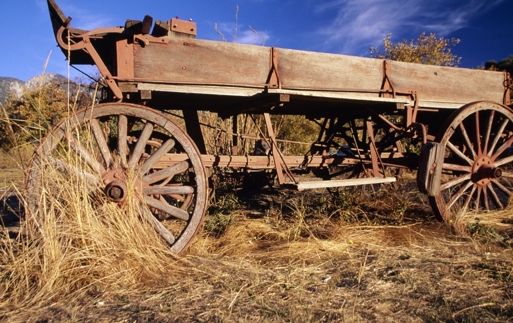 USA, California, Wooden wagon : Stock Photo