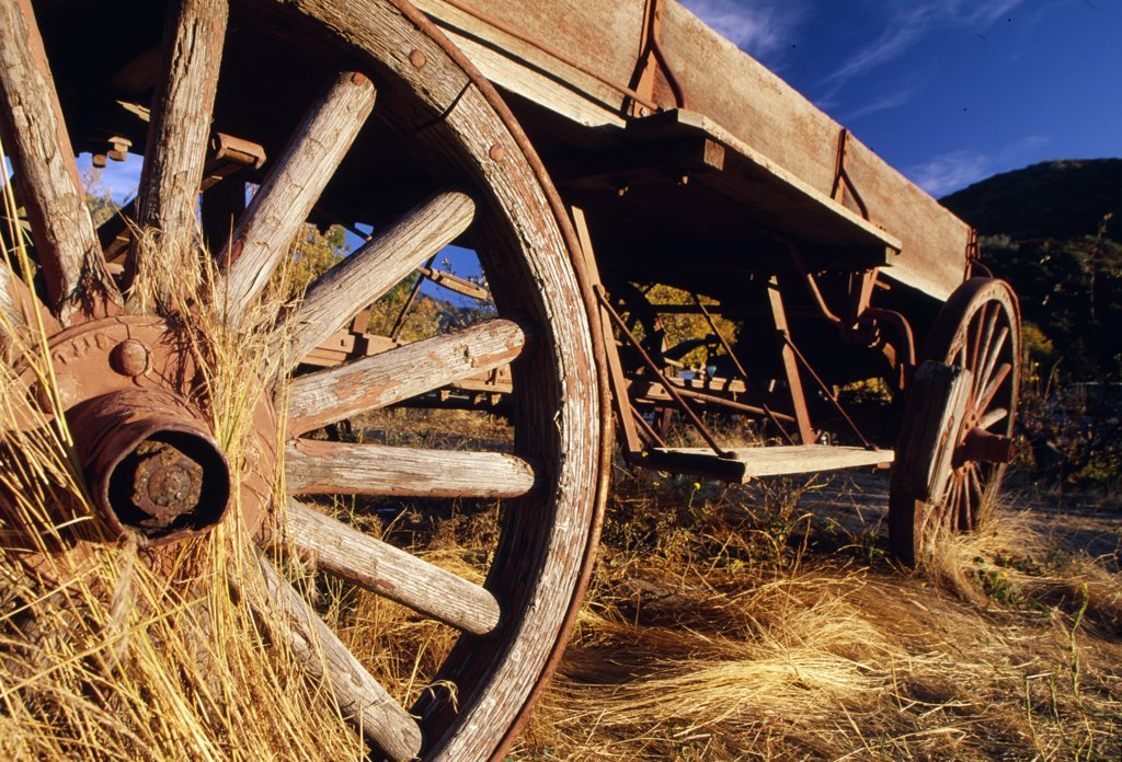 USA, California, Wooden wagon : Stock Photo