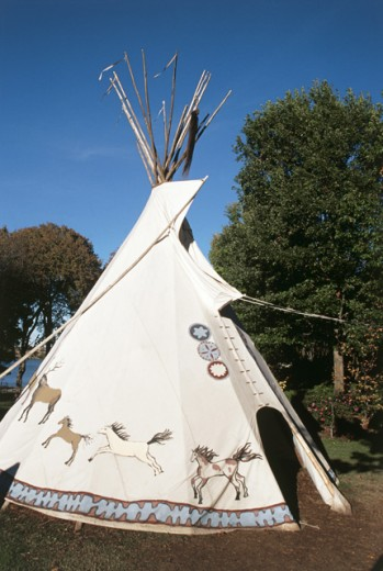 Stock Photo: 1486-925 Teepee in a garden, Dallas Arboretum and Botanical Gardens, Dallas, Texas, USA