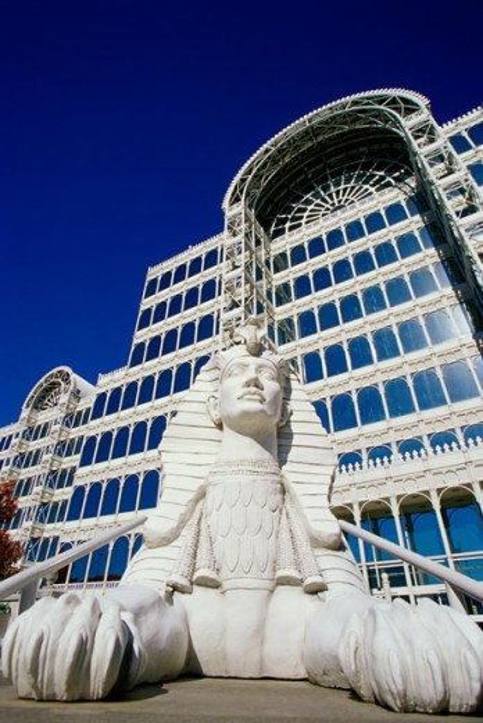 Statue outside the Infomart Building, Dallas Market Center, Dallas, Texas, USA : Stock Photo
