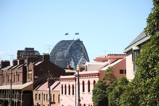 Stock Photo: 1488-1325 Australia, Sydney, Houses in 'The Rocks' and Harbour Bridge