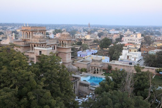 Stock Photo: 1488-1332 India, Rajahstan, Mandawa, View of Fort Mandawa and downtown