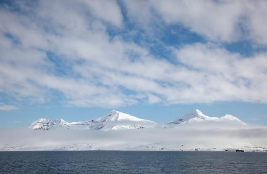 Stock Photo: 1488-527 Norway, Svalbard Archipelago, Snow-capped mountains