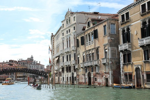 Stock Photo: 1488-640 Italy, Venice, Grand Canal with Arcadia Bridge