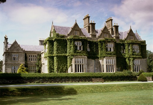 Stock Photo: 149-845 Bench in front of a mansion, Muckross House, Killarney, County Kerry, Ireland