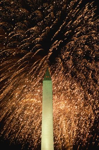 Stock Photo: 1491R-1041527 Washington Monument and Fireworks