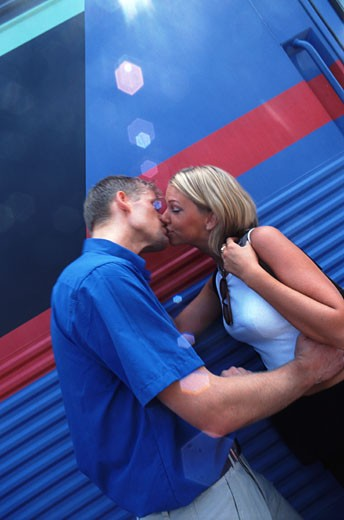 Stock Photo: 1491R-1138675 couple kissing