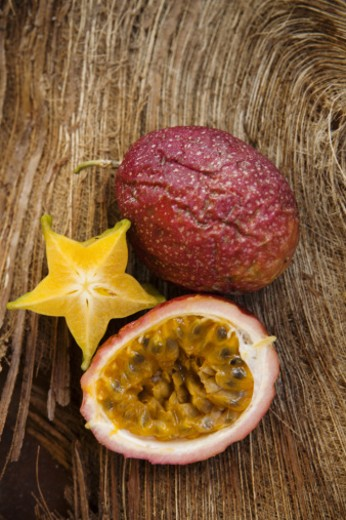 Passionfruit and starfruit still life : Stock Photo